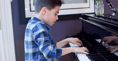 3 Reasons Why Your Child Must Take Piano Lessons