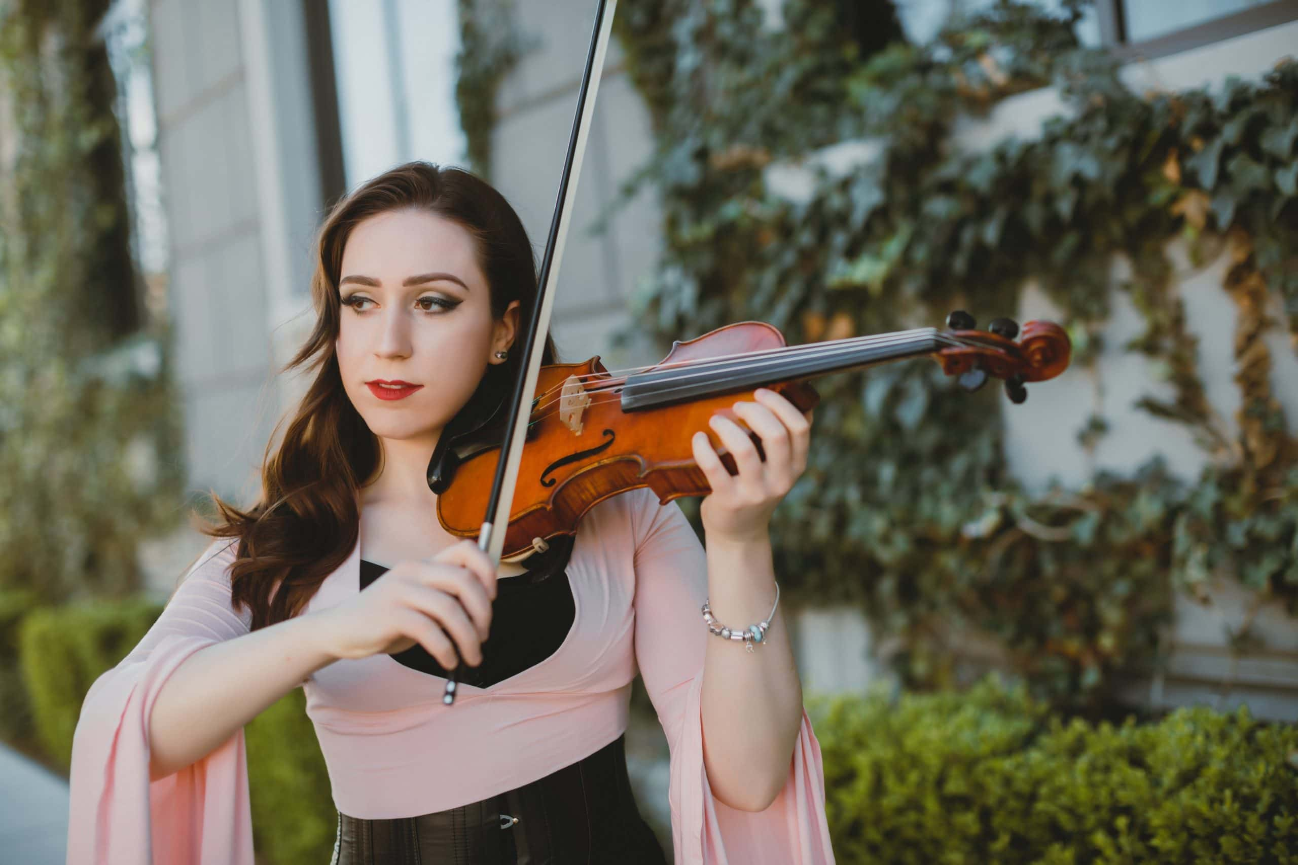 A VIOLINIST WHO CAN DO IT ALL
