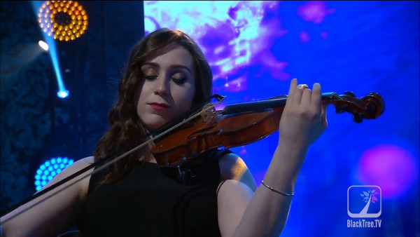 A Violinist who can do it all: An interview with our teaching artist Allie P. 1