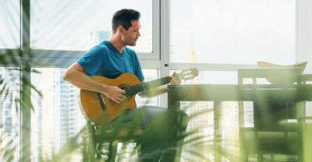 5 Tips For Learning Guitar as an Adult