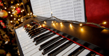 Easy Christmas Songs on Piano