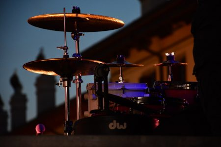 side view of drum set