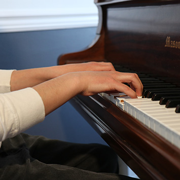 Music To Your Home In Home and Online Music Lessons