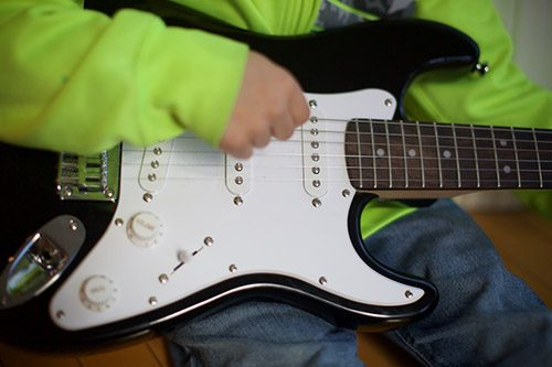 Guitar Lessons Music To Your Home